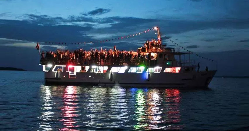 goa boat party,cruises in goa