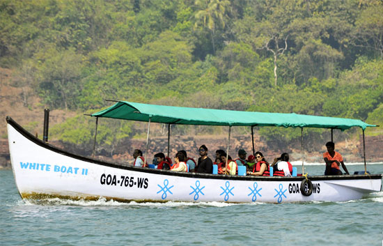 grand island trips in goa,cruises in goa